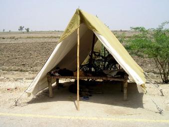 避難所のテント内の樣子